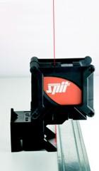 Itw spit cl 30 laser cross line and plumb bob product for Laser spit cl 30 prix